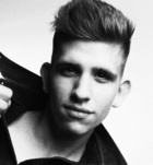 Henrik (22 éves, Férfi) - Telefon: +36 20 / 547-3725 - Budapest, XIV. Hősökteréhez közel. , szexpartner